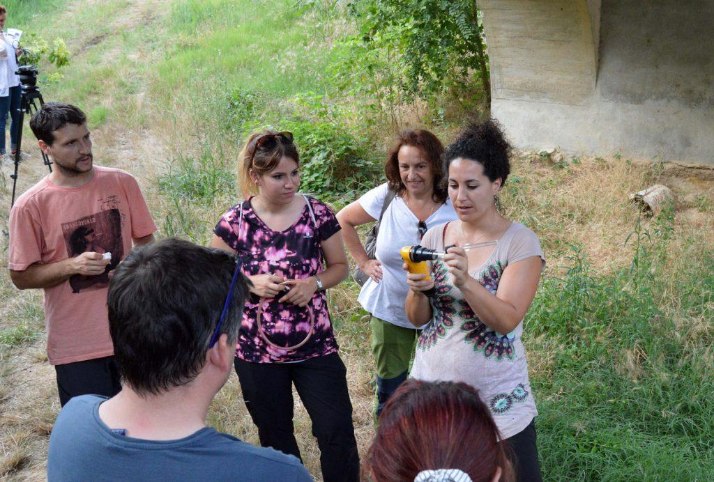 Sarah en un curso de entomología sanitaria. Foto: desinsectador.com
