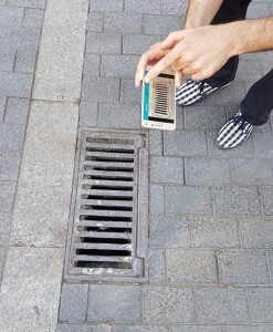 Water drains in the public space are often tiger mosquito breeding sites. Credit: J. Piera.