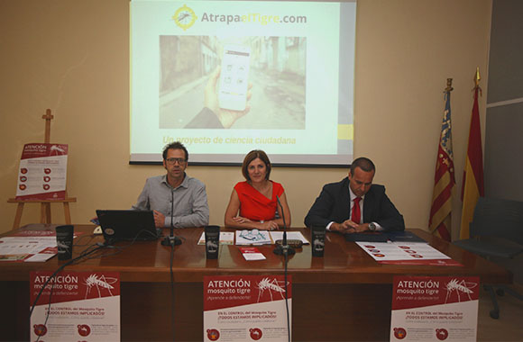 F. Bartumeus and Maite Girau, Councilor of Health of the City of Valencia, at the press conference. Credit: A. Valencia